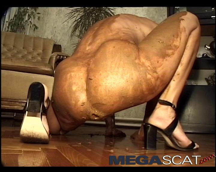 Milf very large anal
